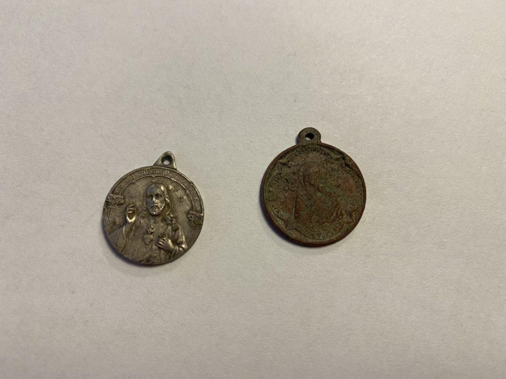 Heiligenanhänger aus Silber und Kupfer